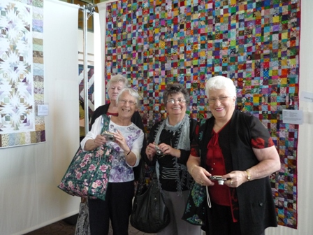 TPAQ_Crew_at_Festival_of_Quilts_sml.JPG